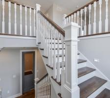 Foyer/Stairs